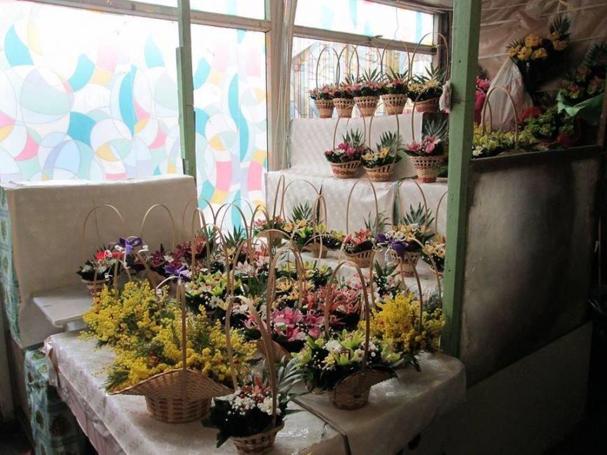 В Одессе продавцы цветов «заломили» цены, фото-6