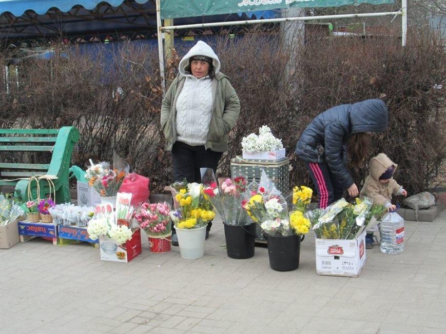 В Одессе продавцы цветов «заломили» цены, фото-3