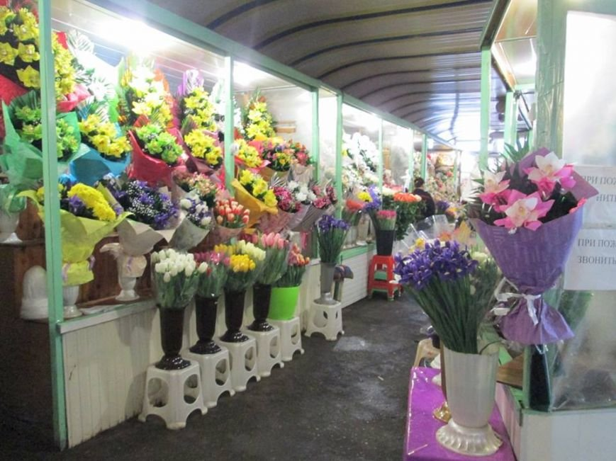 В Одессе продавцы цветов «заломили» цены, фото-7
