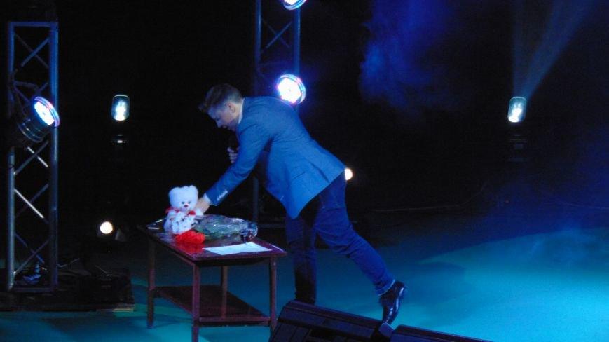 Евгений Литвинкович делал с мариупольскими красавицами на сцене все, что хотел (ФОТОФАКТ) (фото) - фото 5