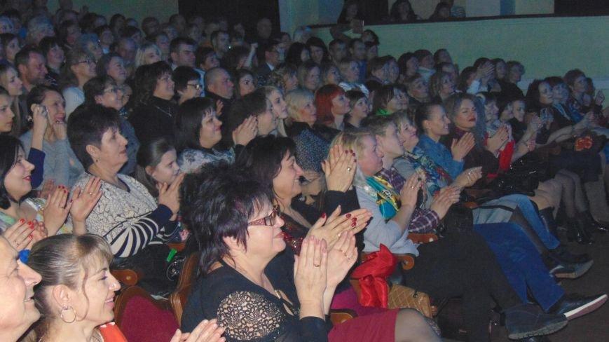 Евгений Литвинкович делал с мариупольскими красавицами на сцене все, что хотел (ФОТОФАКТ) (фото) - фото 2