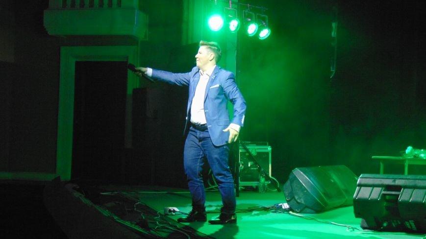 Евгений Литвинкович делал с мариупольскими красавицами на сцене все, что хотел (ФОТОФАКТ) (фото) - фото 3