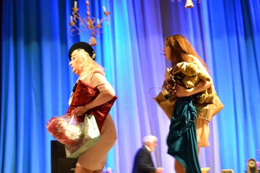 """Криворожане отпраздновали шампанским свадьбу главных героев комедии """"Счастливый горбун"""" (ФОТО), фото-5"""