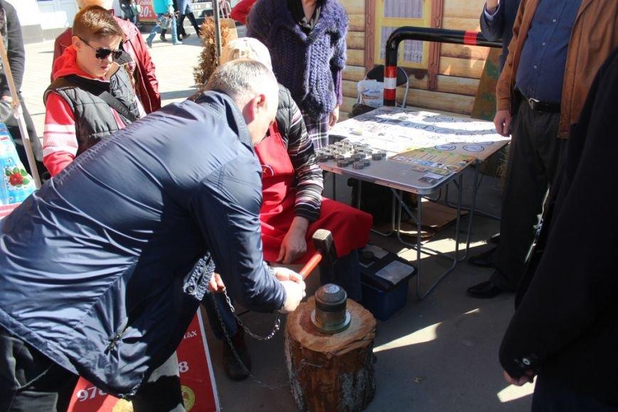 На открытии масленичной недели в Симферополе угощали 4-метровым пирогом (ФОТО) (фото) - фото 4