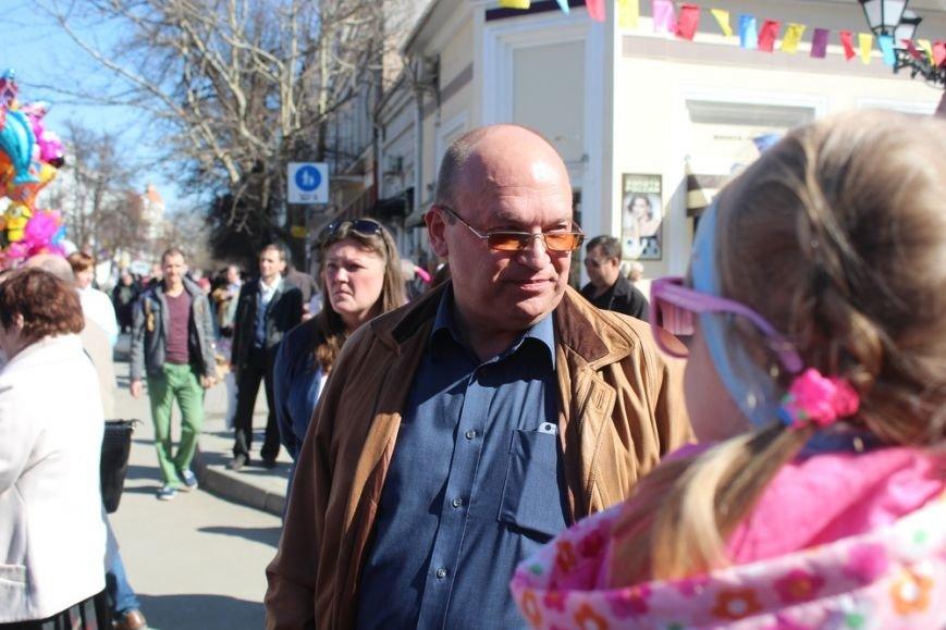 На открытии масленичной недели в Симферополе угощали 4-метровым пирогом (ФОТО) (фото) - фото 2