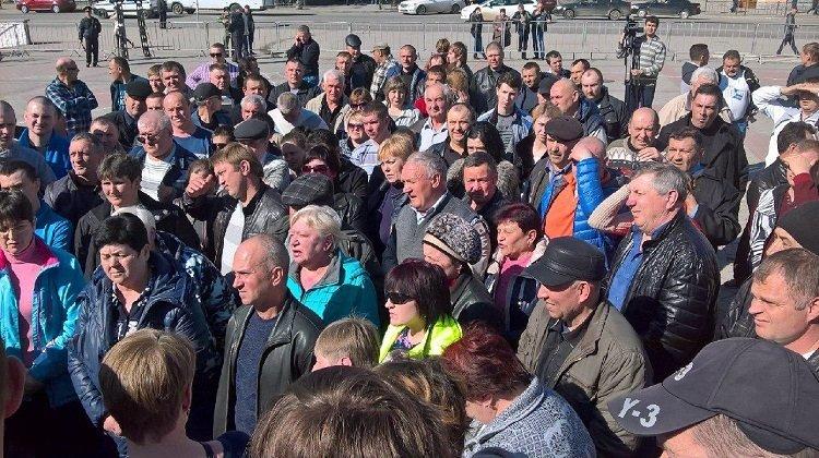 В центре Симферополя митинговали фермеры: Требуют отменить в Крыму карантин по африканской чуме свиней (ФОТО) (фото) - фото 2