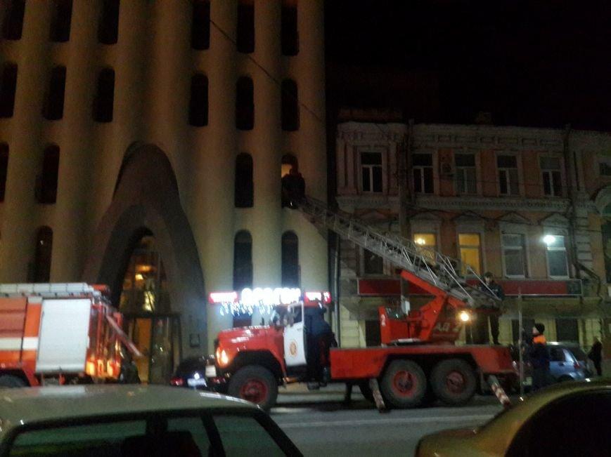 В центре Днепропетровска горит отель «Каспий» (ФОТО) (фото) - фото 2