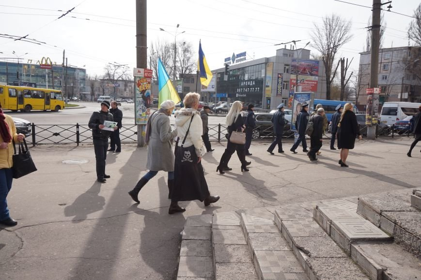 """Путін, ти с**ло: воюєш із жінками"":  криворожане вышли на акцию в поддержку Надежды Савченко (ФОТО), фото-27"