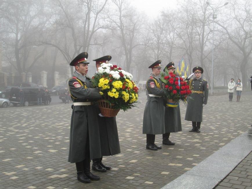 101767cf2e2563048c411abb3982e31f Одесситы отпраздновали 202 годовщину со дня рождения Шевченко
