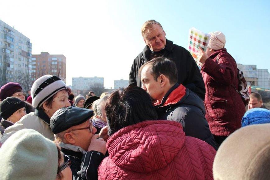 """В МКР """"Восточный"""" пытались собрать подписи за переименование пр. Жукова (ФОТО, ВИДЕО), фото-3"""
