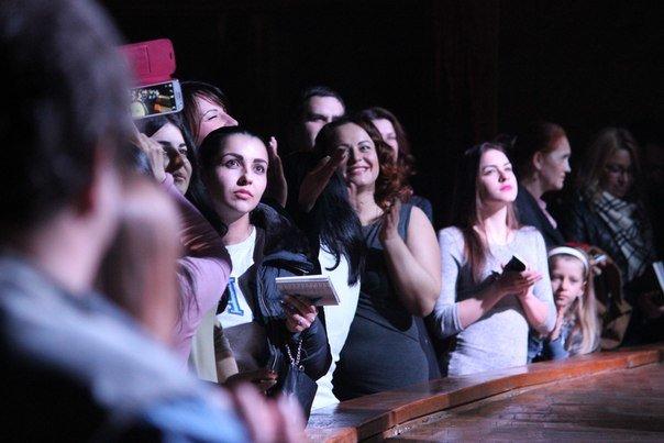 Арсен Мирзоян поздравил днепропетровчанок с 8 марта новым музыкальным альбомом (ФОТО) (фото) - фото 1