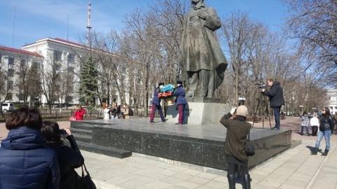 Оккупированный Луганск удивил всю Украину (ФОТО) (фото) - фото 1