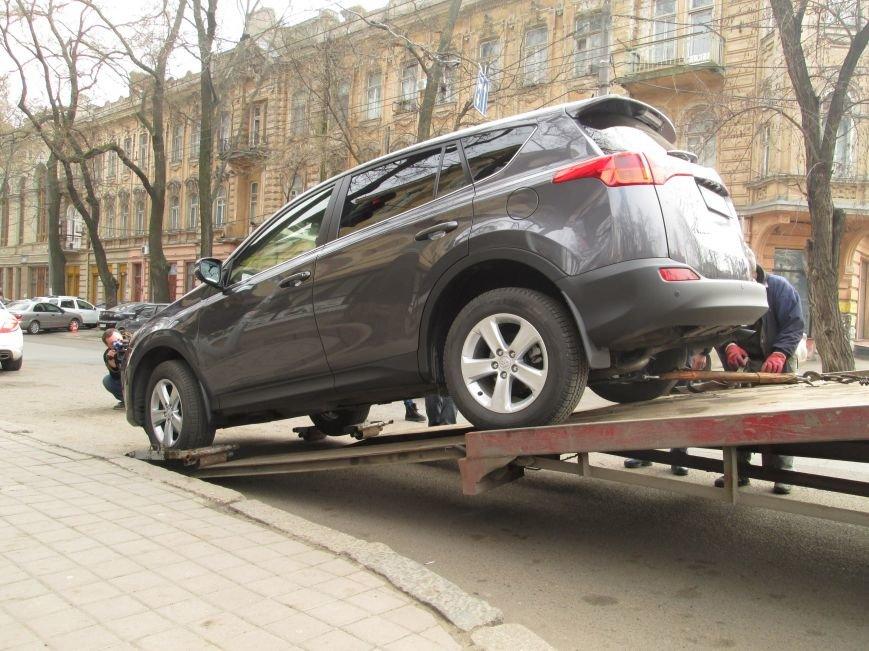 Патрульная полиция массово штрафует водителей в центре Одессы (ФОТО) (фото) - фото 1
