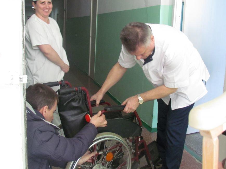 Волонтеры хотели помочь малышу, найденному возле мусорника в Мариуполе, а его усыновили (ФОТО), фото-4