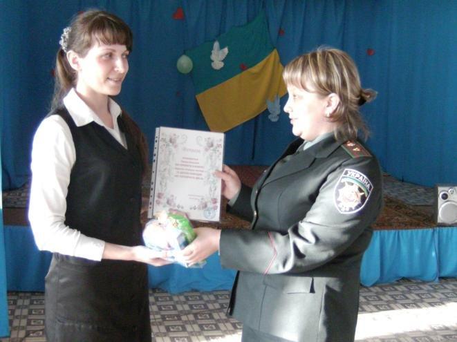 Как отметили 8 Марта в Днепродзержинской колонии №34 (фото) - фото 8