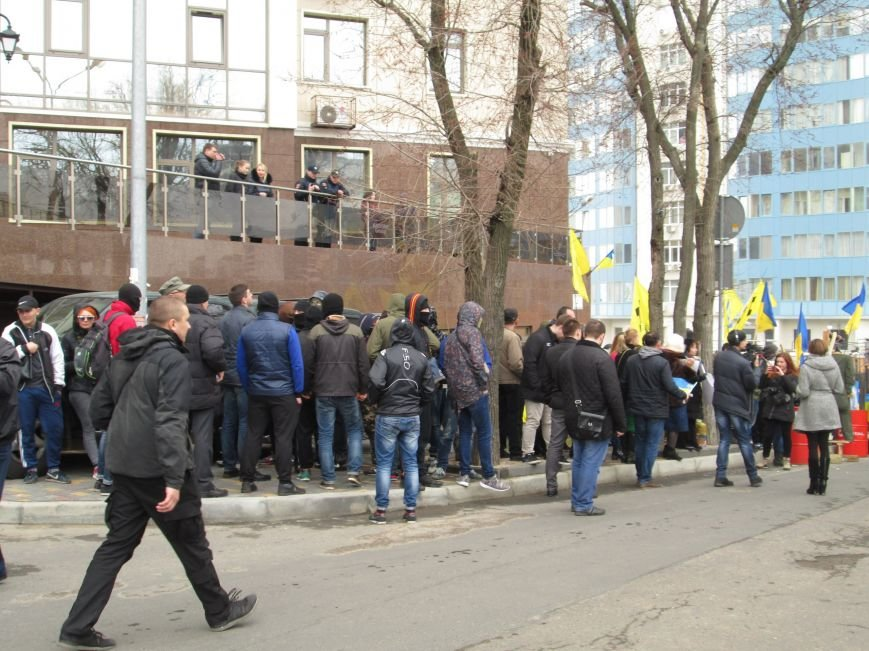 8c29a4d623916333255adfe4439a0b2f #FreeSavchenko: Штурм одеского консульства России и сожжение диктатора Путина