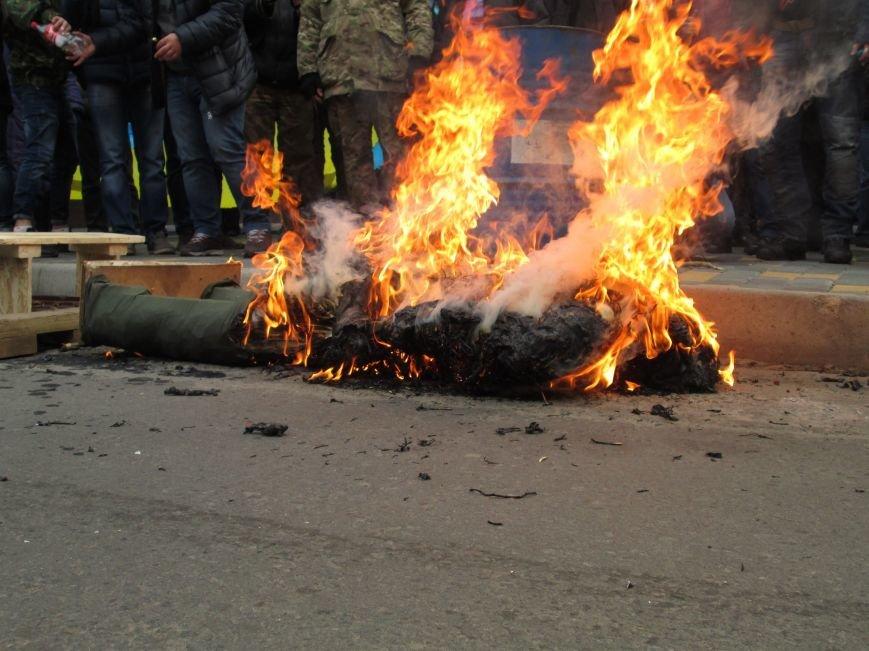 #FreeSavchenko: Штурм одеского консульства России и сожжение диктатора Путина (ФОТО, ВИДЕО) (фото) - фото 1