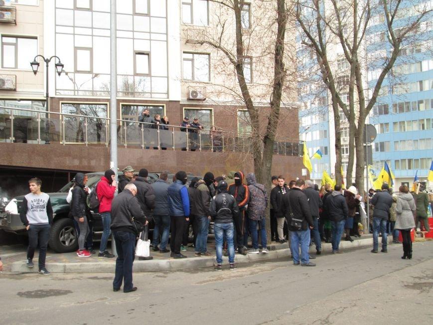 f779df742dfb48f7132fd4e622263af4 #FreeSavchenko: Штурм одеского консульства России и сожжение диктатора Путина