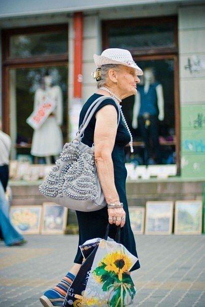 У центрі Тернополя померла найколоритніша бабуся міста (фото) - фото 1