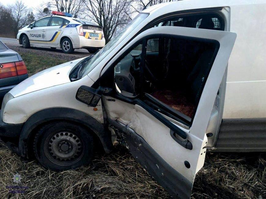 Внаслідок ДТП під Львовом загорівся автомобіль (ФОТО), фото-1