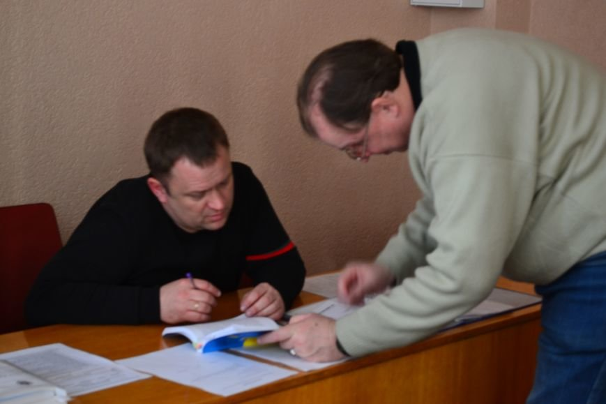 """Жалобы на билборды """"о едином кандидате"""", выплаты по 500 гривен и размещение рекламы на такси направят в полицию (ФОТО), фото-2"""