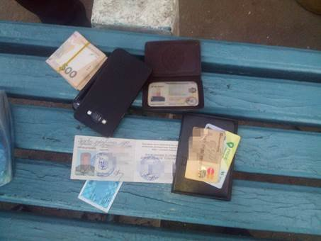 В Луганской области за вымогательство задержаны полковник и майор полиции (ФОТО) (фото) - фото 2