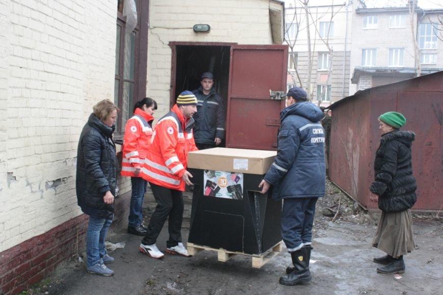 Бердянск ждет гуманитарную помощь из Франции (фото) - фото 4