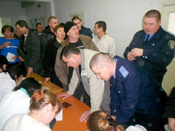 На Полтавщине полицейские поделились своей кровью (фото) - фото 1