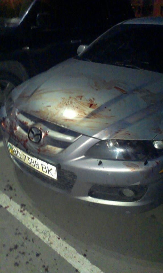 У Львові нетверезий чоловік головою потрощив дві автівки (ФОТО), фото-3