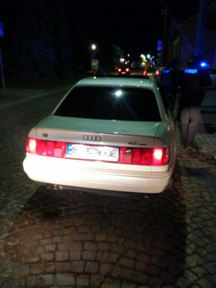 У  Мукачеві затримали п'яного водія на Audi A6 (фото) - фото 1