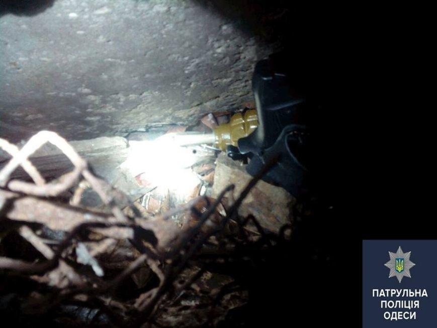 86950f95efadb3dc0e4de454c4fc3598 В Одессе у хулигана нашли травмат и боевую гранату