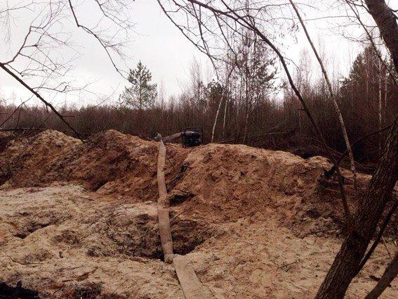 В Олевском районе поймали ровенских гастролеров, которые охотились на янтарь (фото) - фото 1