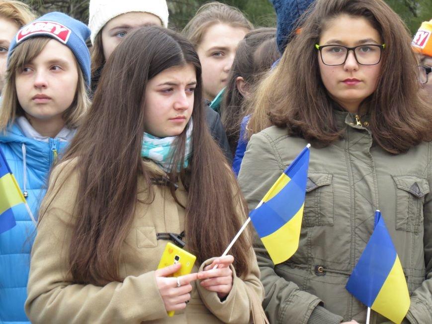 В Мариуполе дети спели гимн вместе со всей Украиной (ФОТО+ВИДЕО), фото-6