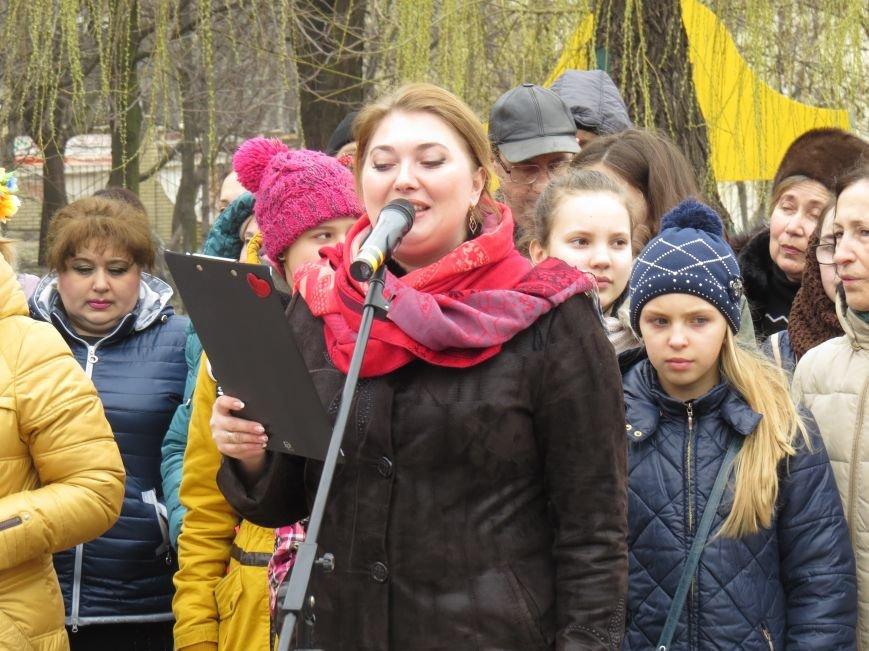 В Мариуполе дети спели гимн вместе со всей Украиной (ФОТО+ВИДЕО), фото-7
