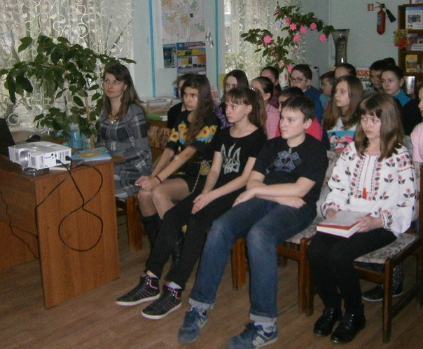У дитячій бібліотеці Слов'янська відзначили 202 річницю з Дня народження Шевченка (фото) - фото 4