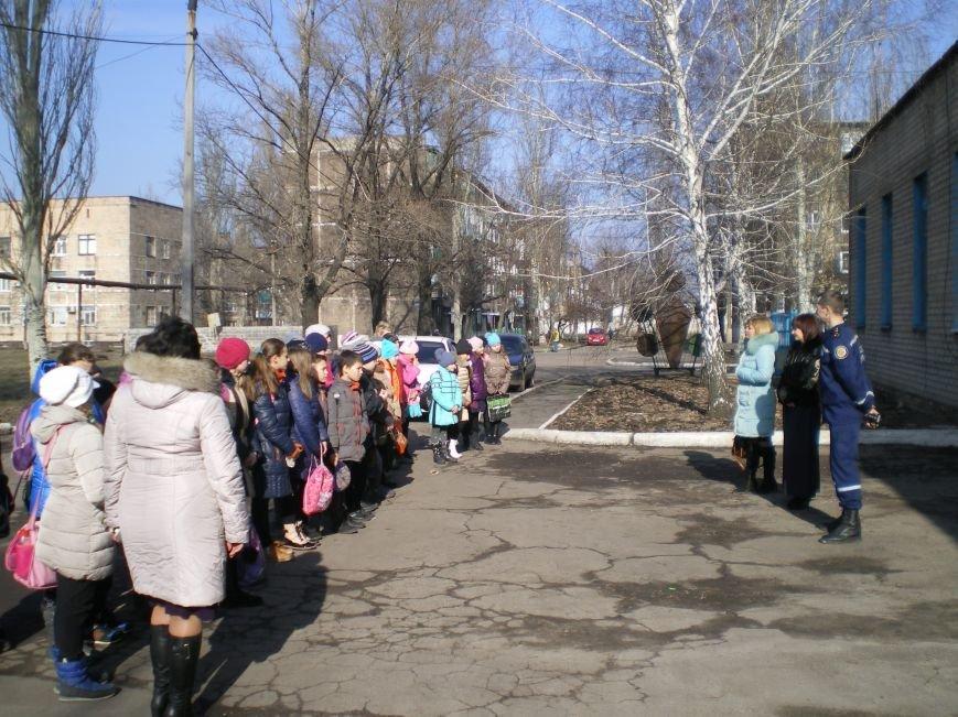Школьники Димитрова побывали в гостях у спасателей (фото) - фото 3