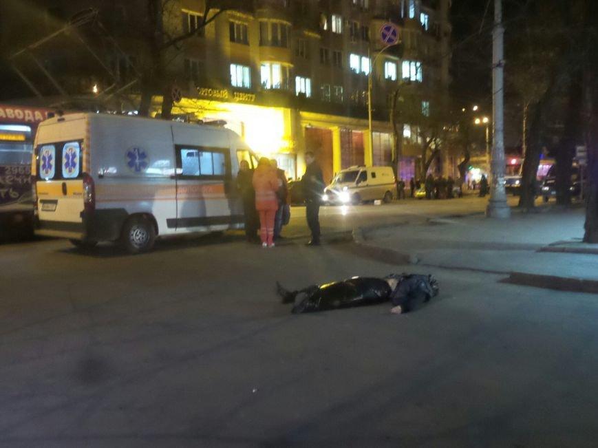 Расстрел инкассаторской машины в центре Одессы: первые подробности (ФОТО) (фото) - фото 1