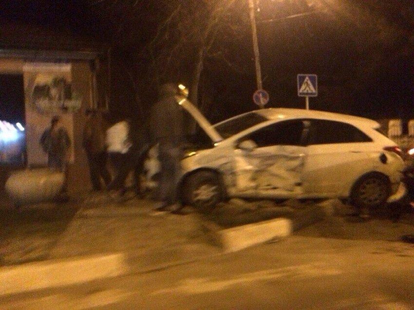 Очередная авария на злополучном перекурестке Анапы (фото) - фото 1