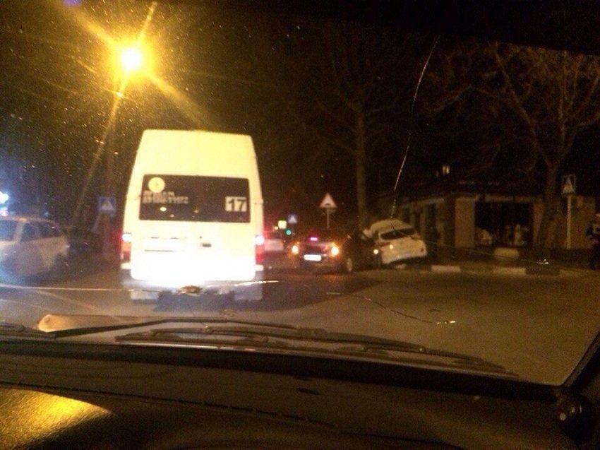 Очередная авария на злополучном перекурестке Анапы (фото) - фото 3
