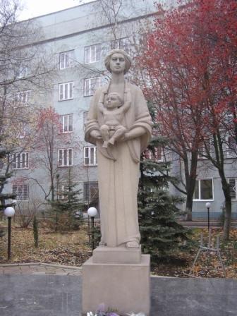 Памятник_женщине-матери_001