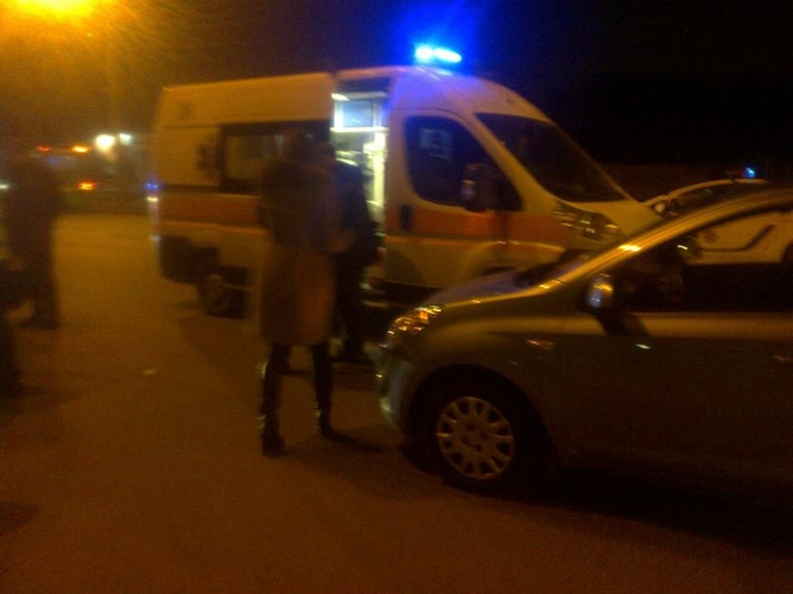В Харькове ДТП: машина сбила девушку, когда та перебегала дорогу (ФОТО) (фото) - фото 1