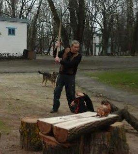 Под Мариуполем президент федерации пауэрлифтинга Украины избил лопатой представителя