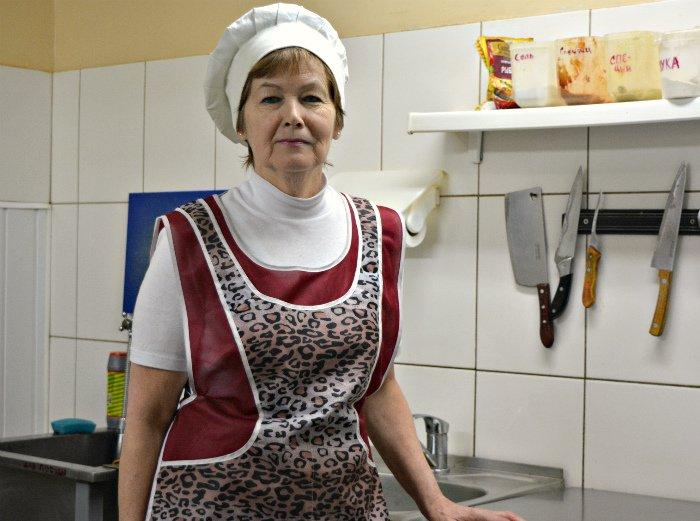 Печем блины на Масленицу. Мастер-класс от шеф-повара кафе «Дамиан» в Полоцке (фото) - фото 1