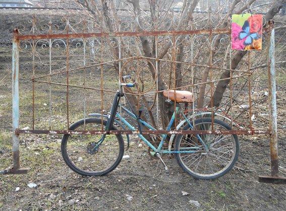 Житель Кременчугского района осквернял могилы, находясь под следствием за разбой (ФОТО) (фото) - фото 1