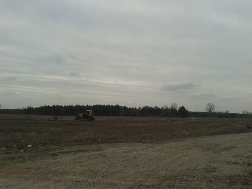 Павлоградцы обеспокоены: начато незаконное строительство на территории водозабора, фото-2