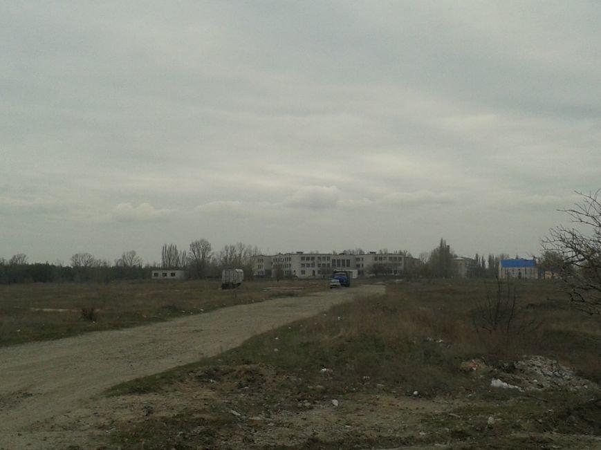 Павлоградцы обеспокоены: начато незаконное строительство на территории водозабора, фото-1