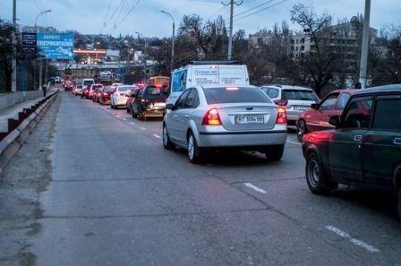 Транспортный коллапс в Херсоне (фото) (фото) - фото 2