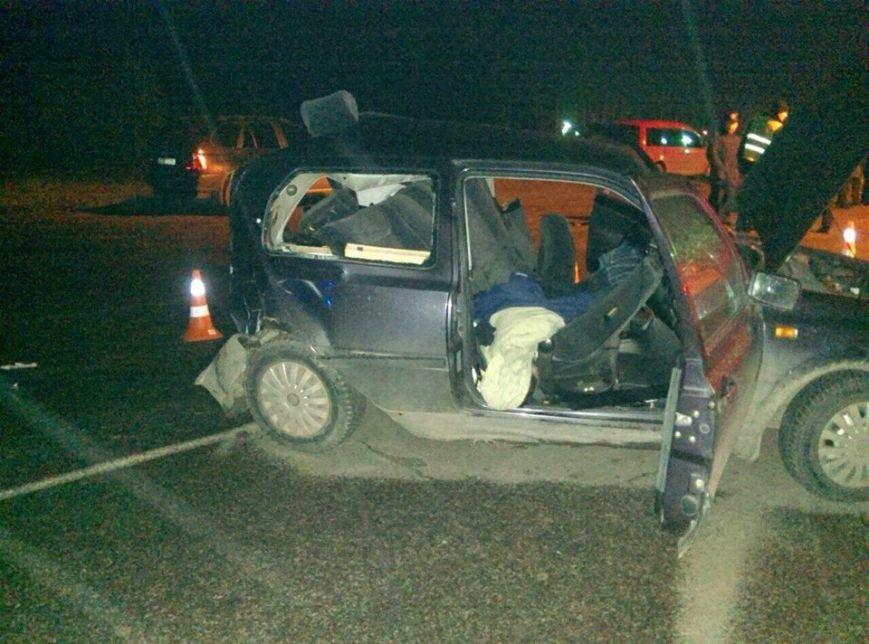 З'явилися фото з місця ДТП у Червонограді, внаслідок якої 1 людина загинула та ще 2 отримали травми, фото-1