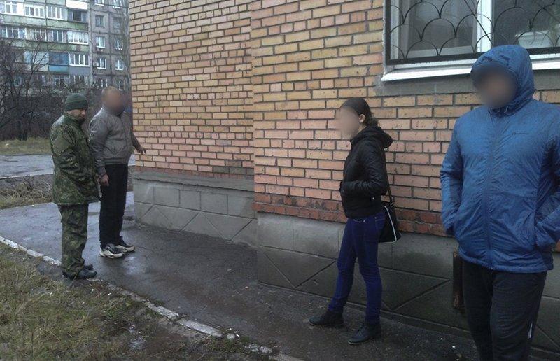 В Мариуполе мужчина вырвал пакет с розовым кошельком из рук пенсионерки (ФОТО), фото-5