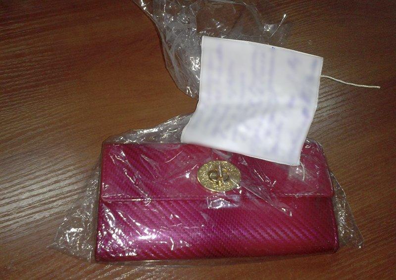 В Мариуполе мужчина вырвал пакет с розовым кошельком из рук пенсионерки (ФОТО), фото-1